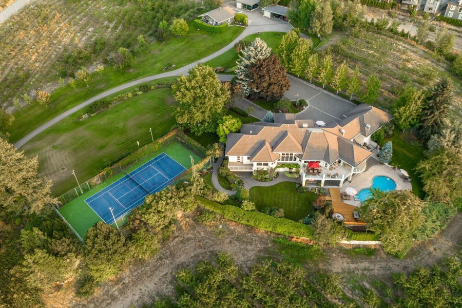 Video of the Week: Magnificent Estate in Kelowna, British Columbia, Canada