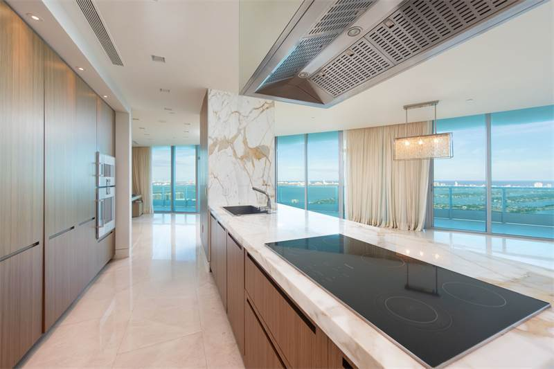 900 Biscayne Blvd, $2,800,000 USD